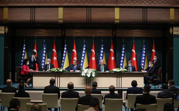 Konferencija za novinare nakon sastanka