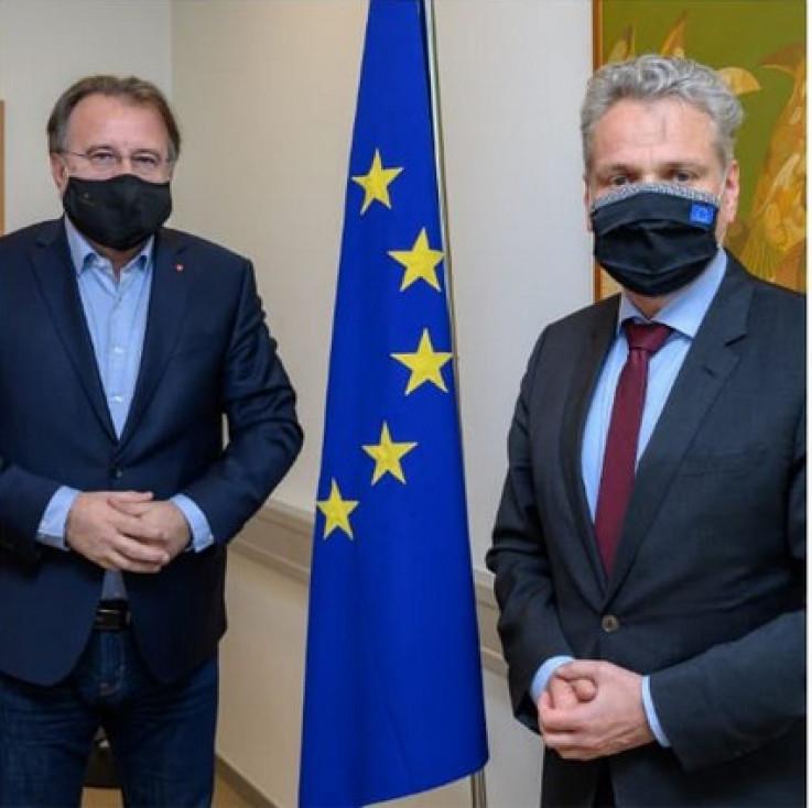 Satler s liderom SDP-a Nerminom Nikšićem