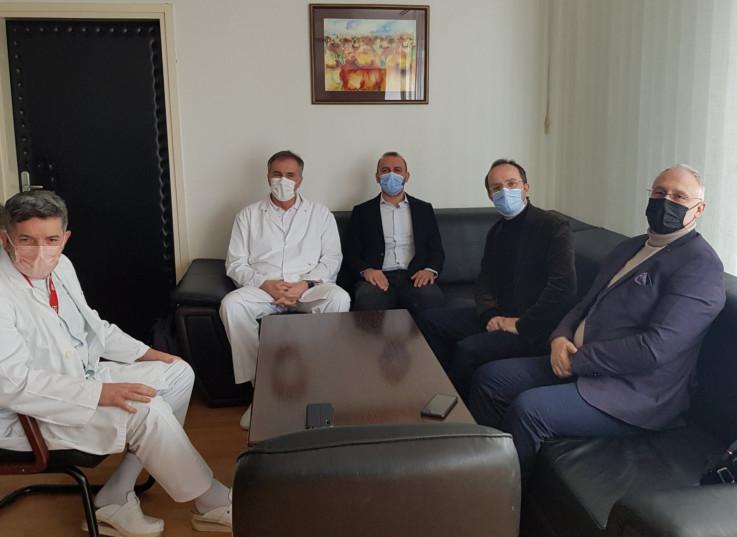 Lejkari iz Turske s direktorom Opće bolnice Gavrankapetanovićem, ministrom Vranićem i dr. Drljevićem