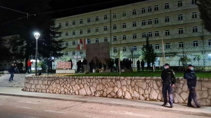 U Grudama se okupilo 50-tak građana