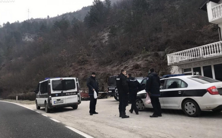 Policiji prijavljeno drumsko razbojništvo u Podorašcu