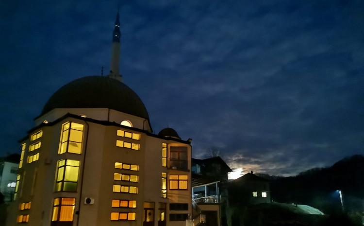 Prije nekoliko godina s džamije ukradeni bakreni oluci
