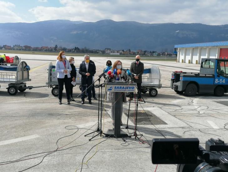 Obraćanje zvaničnika na Aerodromu