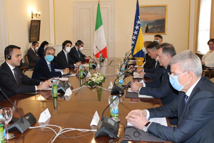 Učesnici sastanka su razmijenili informacije o političkim procesima prouzrokovanim pandemijom