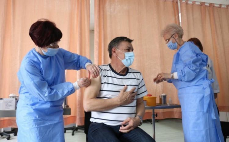 Fuad Kasumović danas vakcinisan
