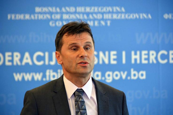 Novalić: Pozivam sve da mi predlože bilo koju drugu mogućnost za nabavku vakcina