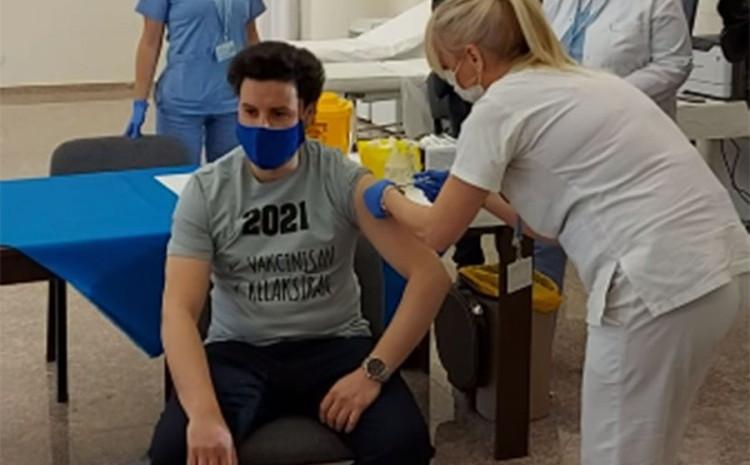 Dritan Abazović: Ako se mogu Britanci vakcinisati AstraZenecom, mogu i građani Crne Gore