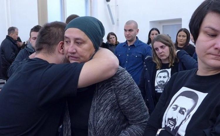 Majka i sestra ubijenog Mirze Raščića