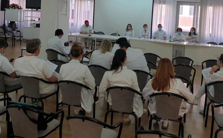 Tokom jučerašnjeg dana  u Općoj bolnici obavljena su 1.002 pregleda