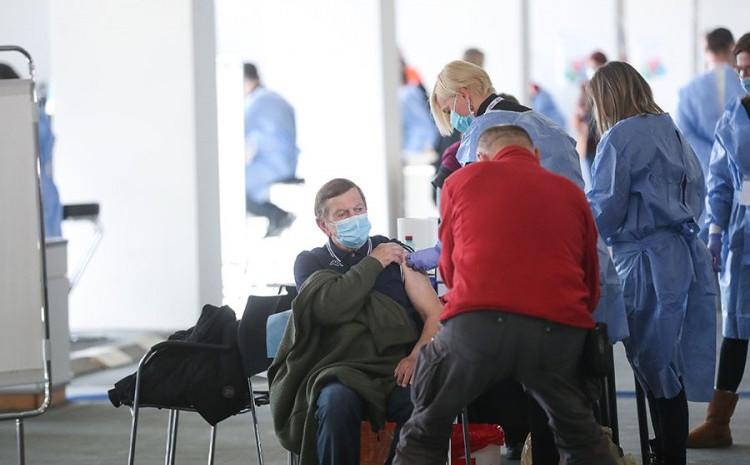 Počela masovna vakcinacija