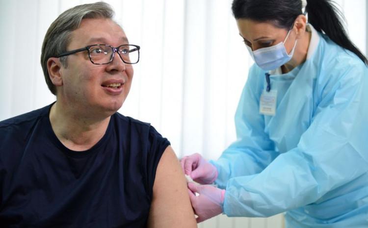 I Vučić primio vakcinu