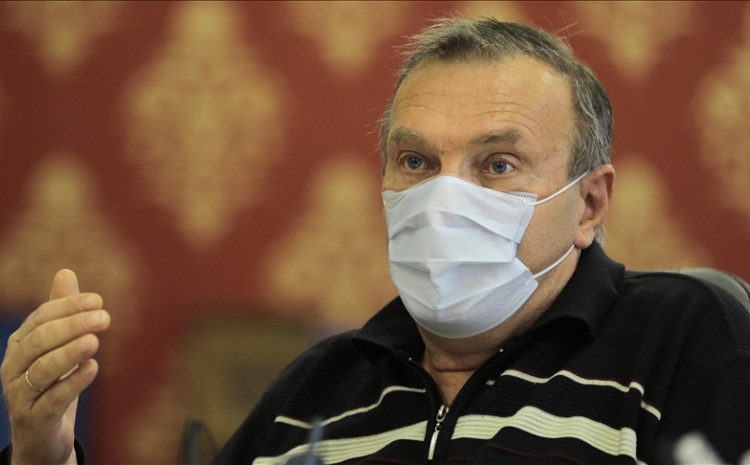 Stevanović: Trakavica s respiratorima je politička manipulacija, po karakteristikama nisu za liječenje teških oboljenja pluća