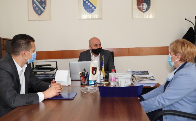 Ministar za boračka pitanja KS i direktorica JU DZ KS na današnjem sastanku