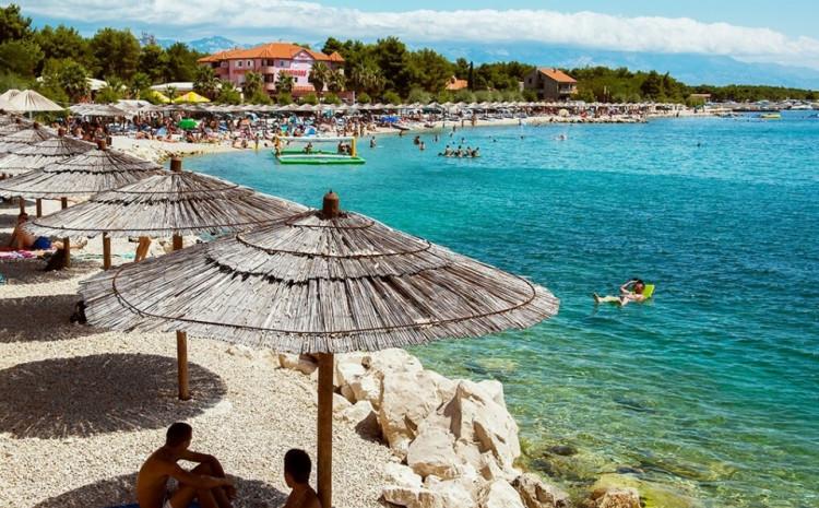 Sredinom aprila počinje vakcinacija turističkih radnika u Hrvatskoj