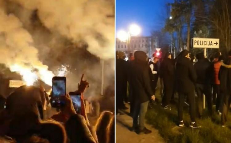 Sa večerašnjih protesta