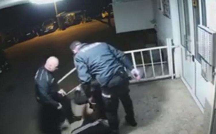 Policajci suspendovani
