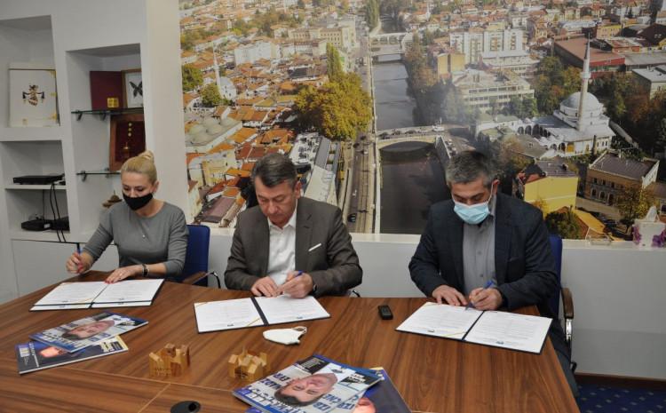 Načelnik Hadžibajrić potpisao ugovore o finansijskoj podršci Crvenom križu Stari Grad i MDD Merhamet