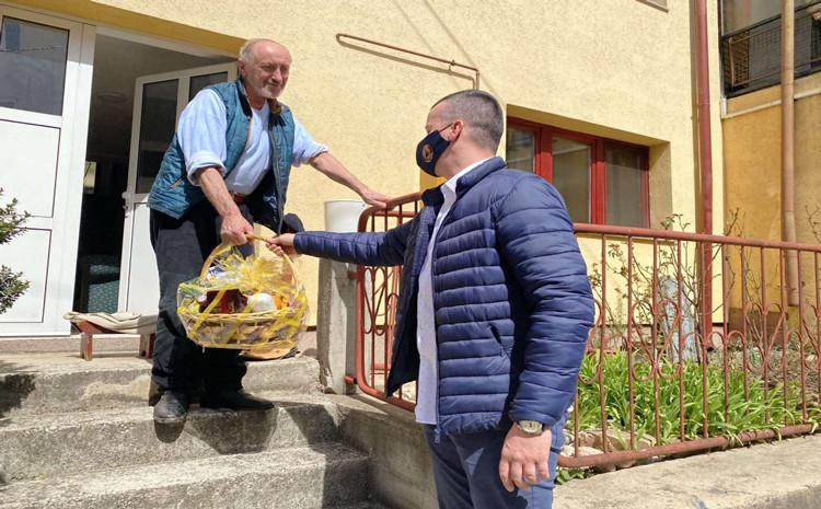 Načelnik Hadžibajrić poslao poklone uz želje za brz oporavak tobdžiji Smailu Kriviću