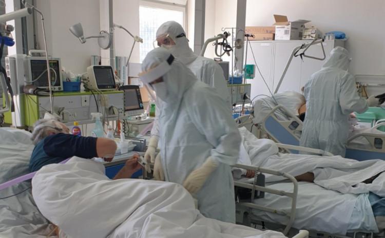 Dva pacijenta su na respiratoru, a četiri na neinvazivnoj mehaničkoj ventilaciji