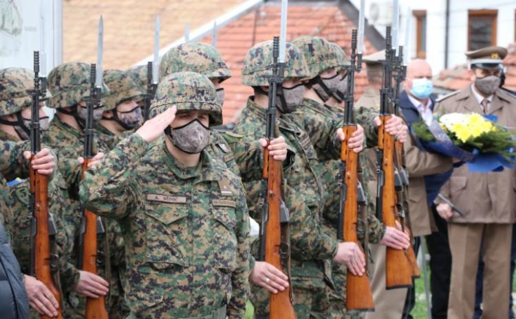 Brojne delegacije obilježile su godišnjicu formiranja Armije RBiH