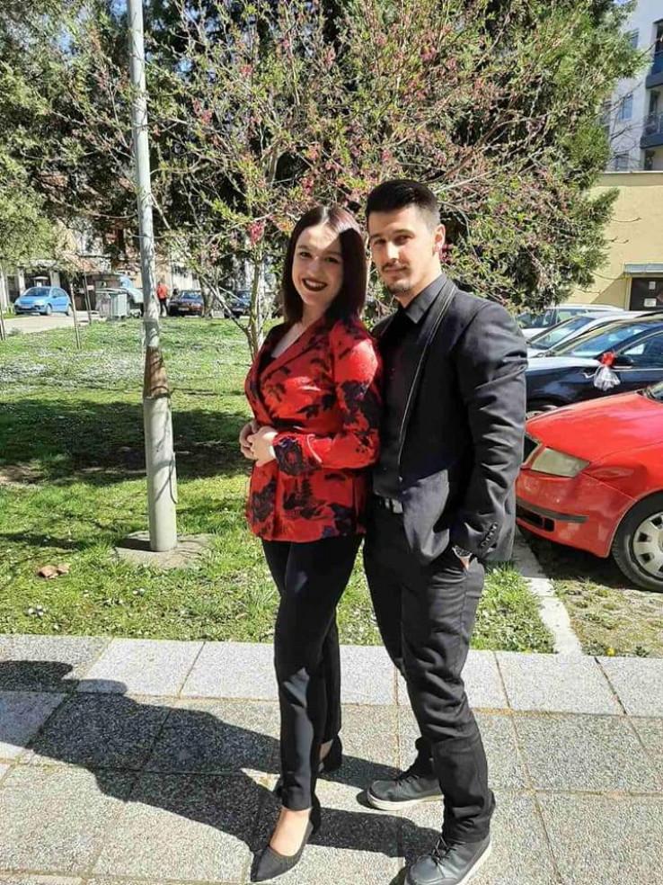 Anes sa suprugom: Vjenčanje nije odgađao