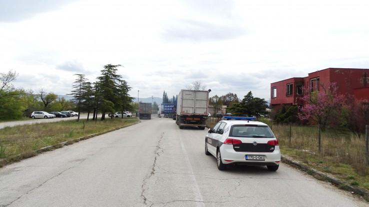Blokirali i kapiju za teretna vozila