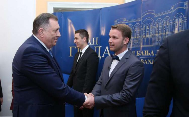 Srdačan pozdrav Dodik i Stanivukovića