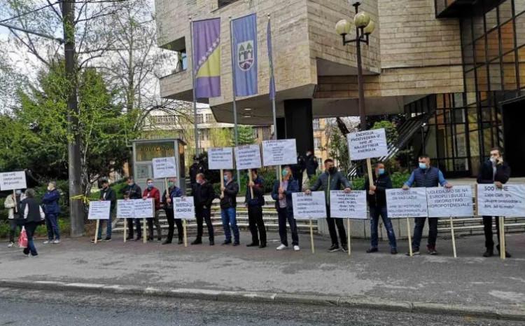 Mini protest zbog zabrane gradnje malih hidroelektrana