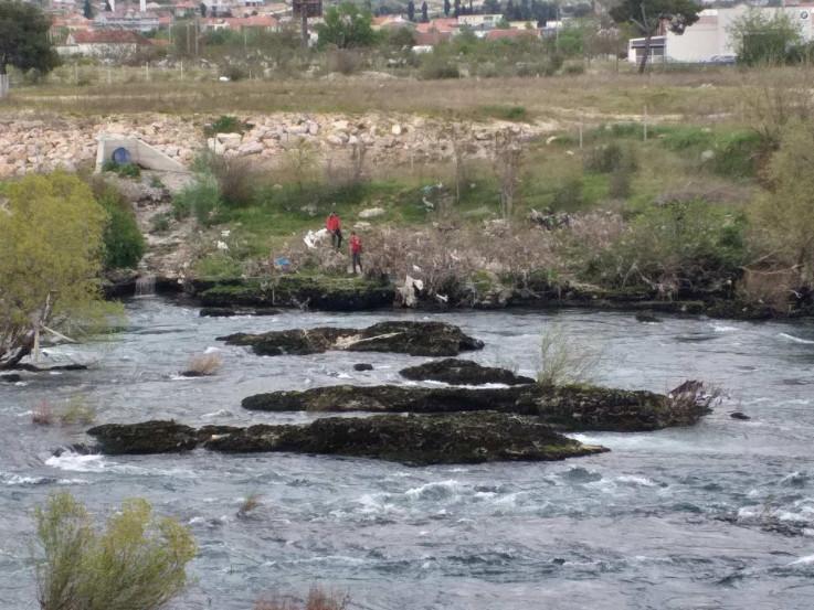 Potraga na obalama Neretve