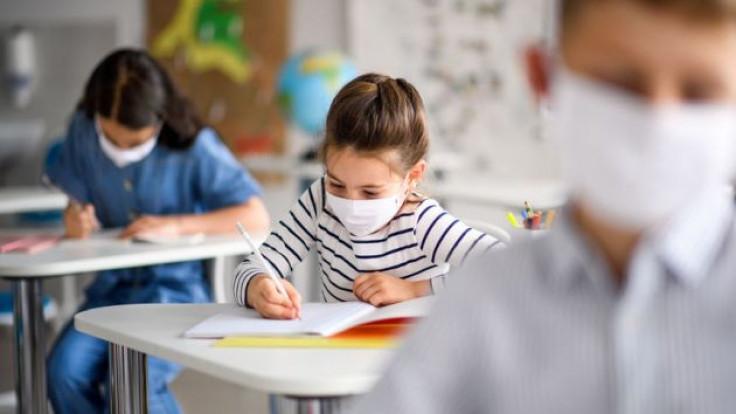 Odluke o povratku đaka u škole temeljiti na procjeni zdravstvenih radnika