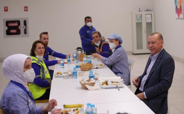 Na iftaru s radnicima
