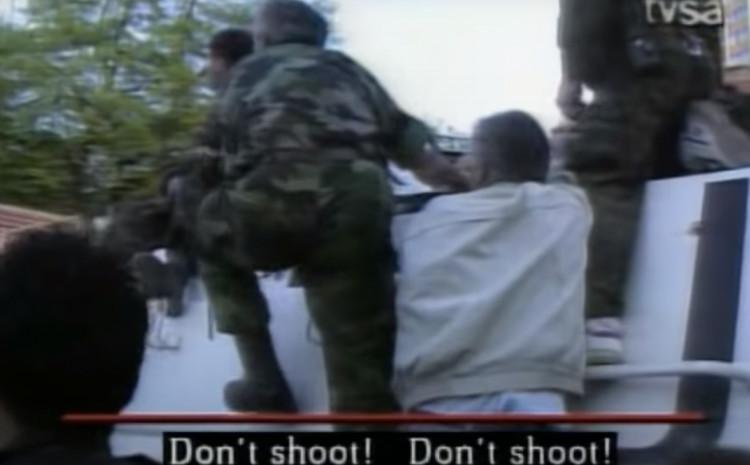 General Armije RBiH Jovan Divjak: Ne pucaj, ne pucaj!
