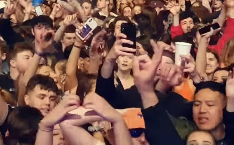 Gotovo 5.000 ljudi na koncertu