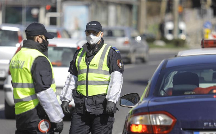 Policajci uhapsili vozača