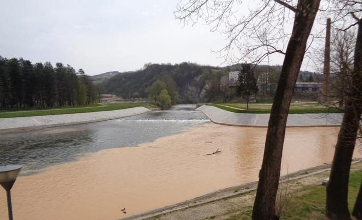 Rijeke Fojnica (desno) i Bosna (lijevo): Velika opasnost