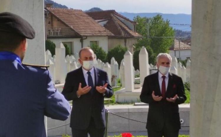 Čavušolu obišao mezar Alije Izetbegovića