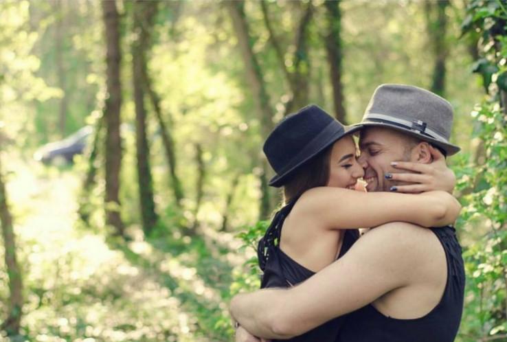 Ljudi koji svoje supružnike ujedno smatraju i najboljim prijateljima zadovoljniji su svojim brakom