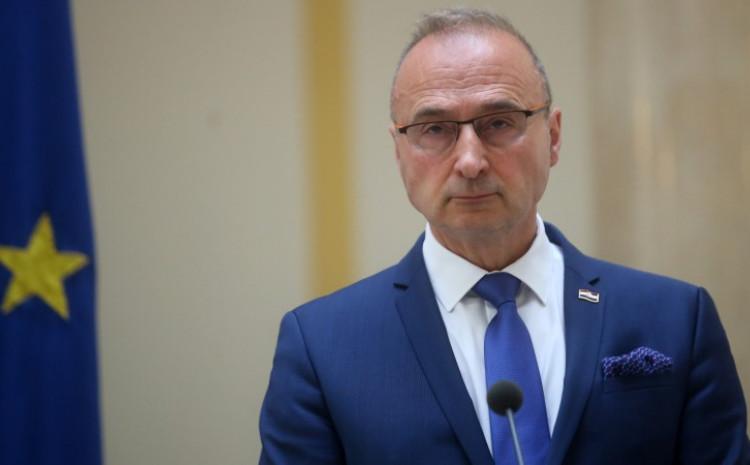 Grlić Radman: Govorio o povećanju broja vojnika