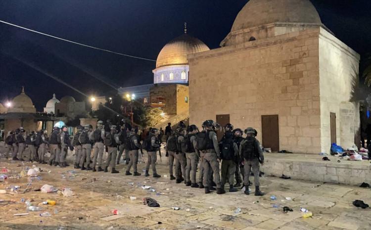 U napadu policije povrijeđene su  53 osobe