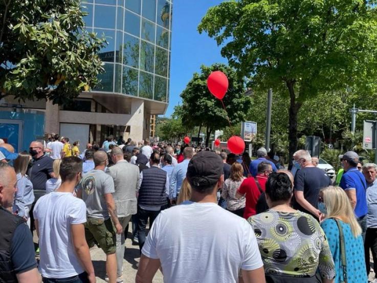 Okupio se veći broj građana