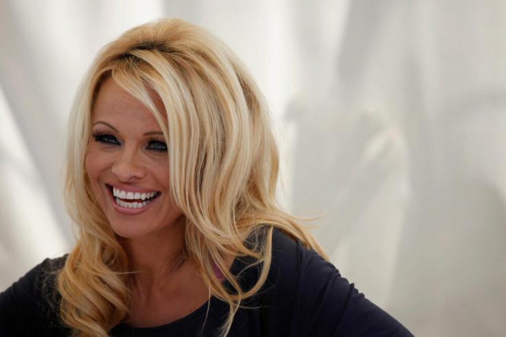 Pamela Anderson: Htjela sam da nestanem sa lica zemlje