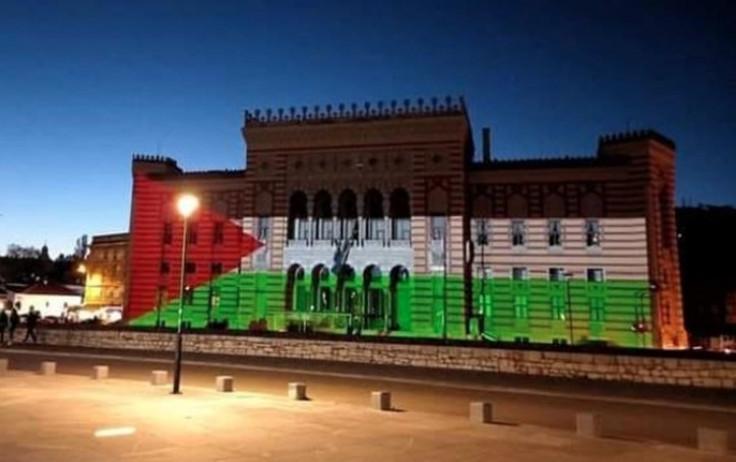 Vijećnica u Sarajevu u bojama zastave Palestine