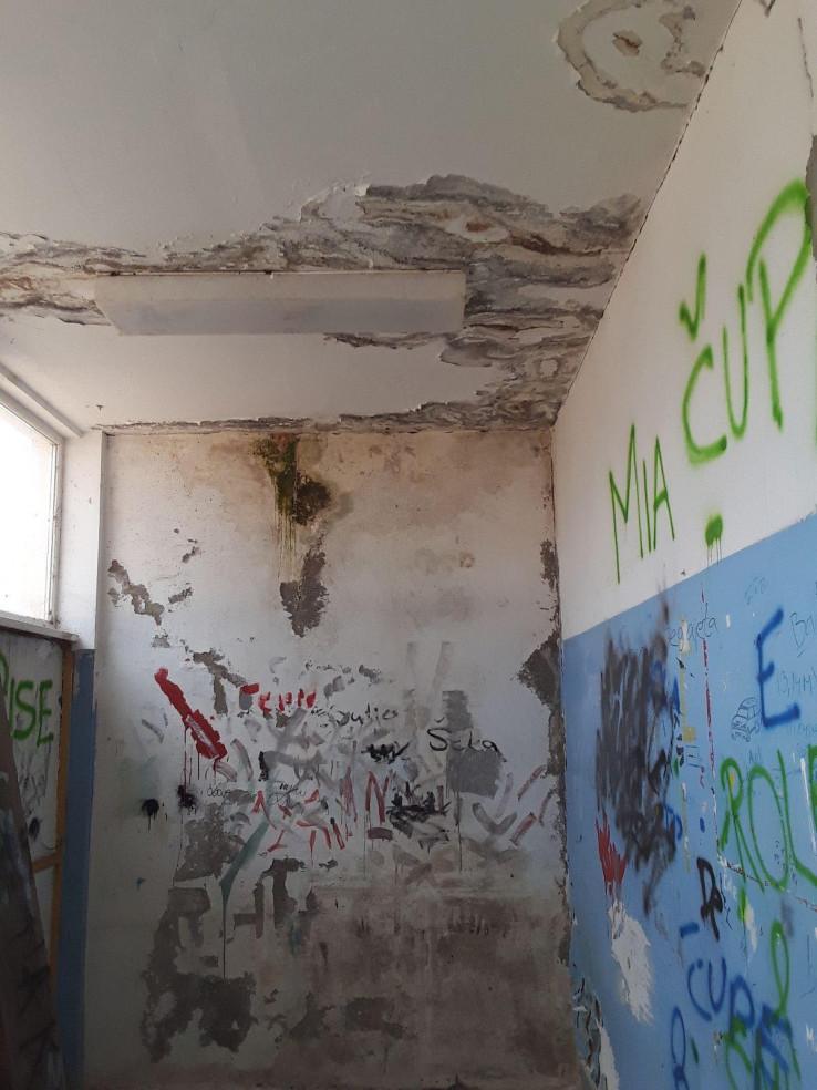 Prostorija prije renoviranja
