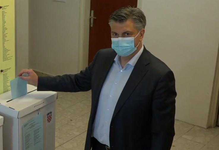 Premijer Plenković glasao na lokalnim izborima