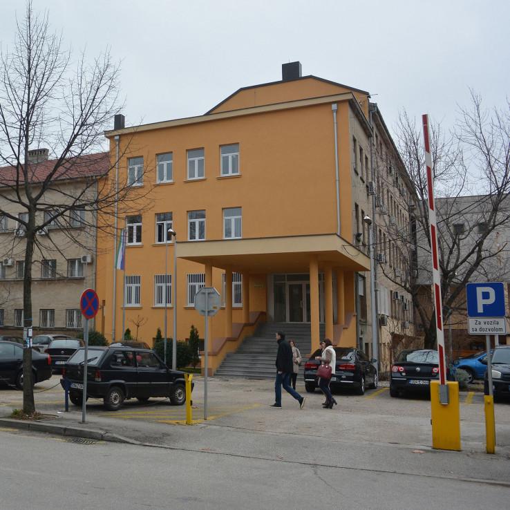 Zgrada Kantonalne vlade: Svi šute
