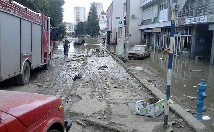 Doboj bio okovan muljem nakon poplava