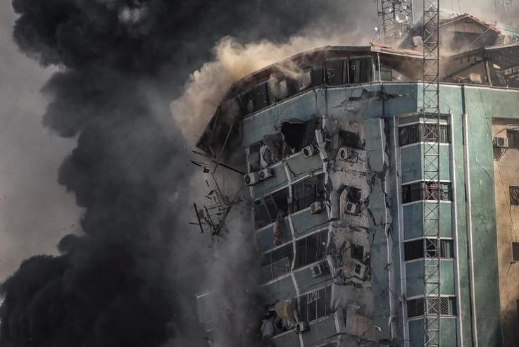 Rušenje zgrade u Gazi
