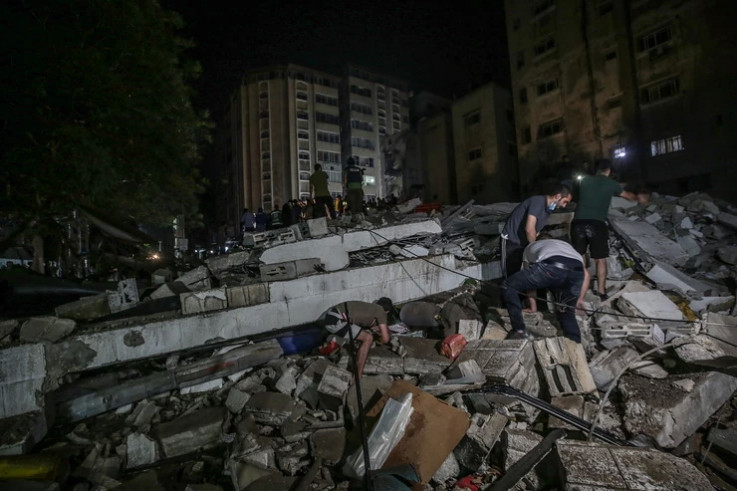 Potraga za stanovnicima Gaze zarobljenim ispod ruševina