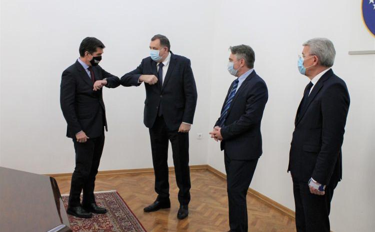 Ambasador SAD sa članovima Predsjedništva BiH