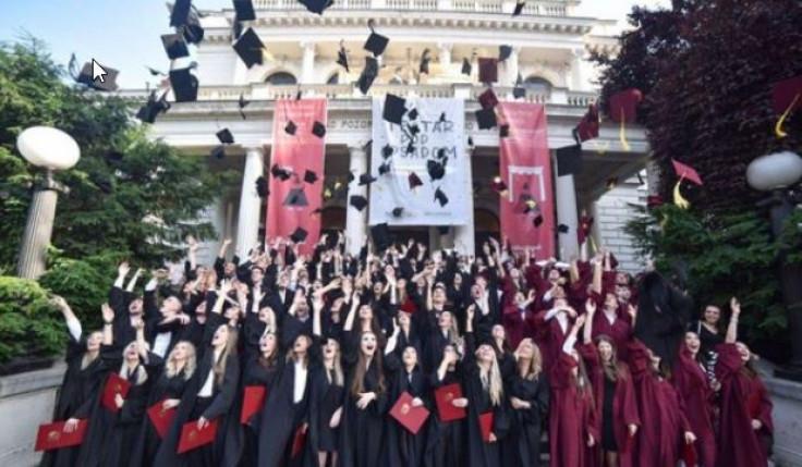 Srednjoškolci su odavno završili sa svojim proslavama
